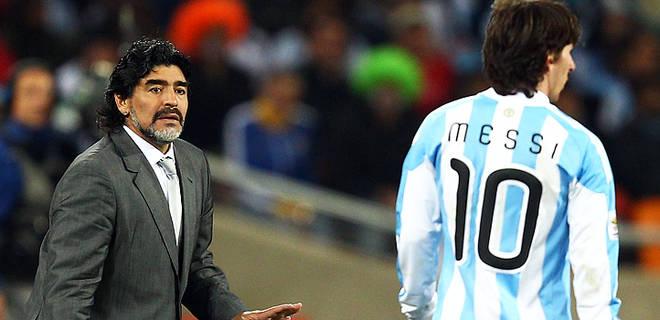 Tra Messi e Maradona c è ancora un pezzo di leggenda da percorrere ... 9bb128ac238e1